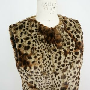 Via Spiga Jackets & Coats - Via Spiga Faux Fur Animal Print Vest Cheetah